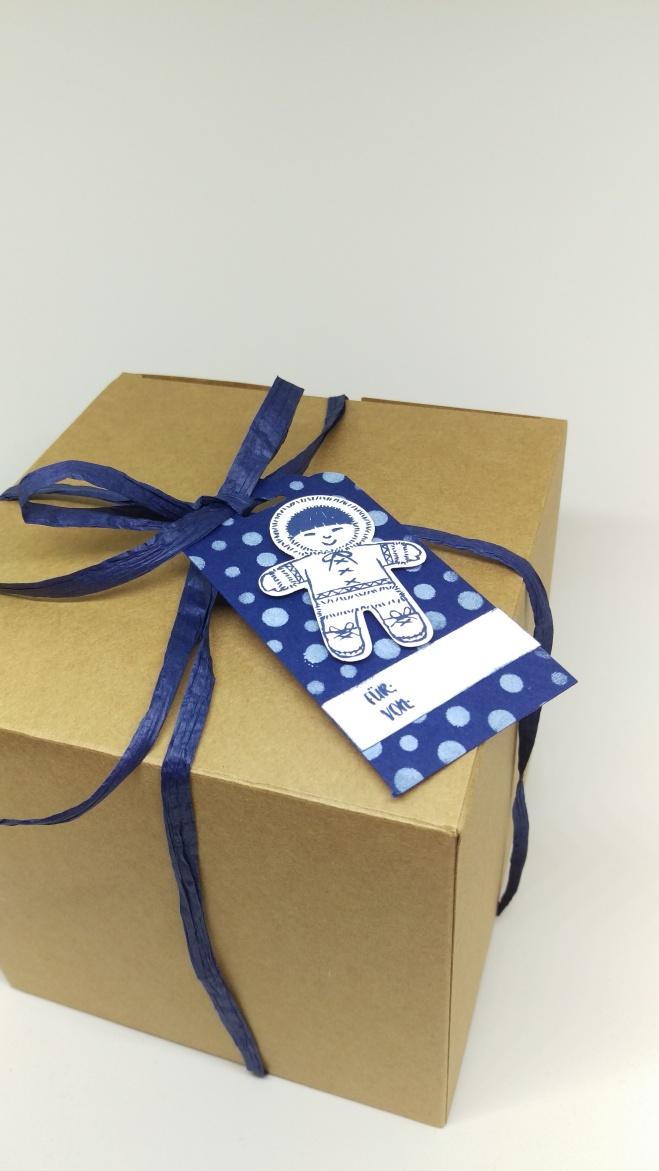 stampin-up-geschenkanhanger-marineblau-ausgestochen-weihnachtlich-4
