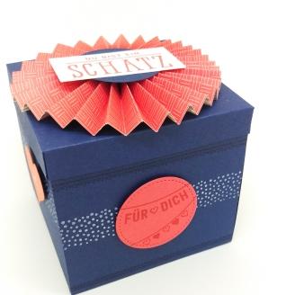 stampin-up-berlin-explosionsbox-geschenk-valentinstag-fensterschachtel-delicate-details-herzblatt-1-mitliebeundpapier-wordpress-com