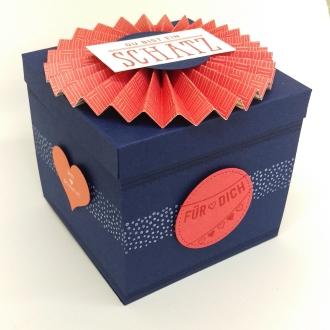 stampin-up-berlin-explosionsbox-geschenk-valentinstag-fensterschachtel-delicate-details-herzblatt-2-mitliebeundpapier-wordpress-com