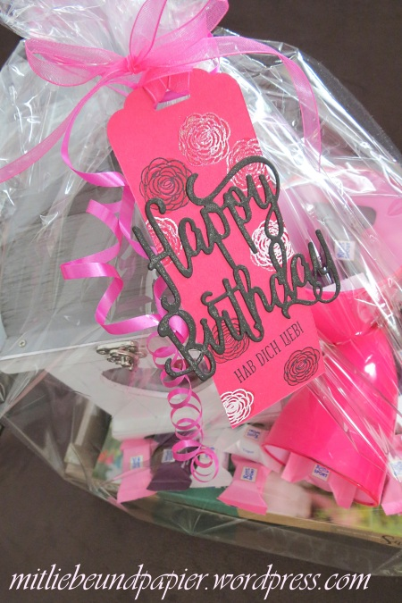 Stampin' Up Berlin DIY Geschenk Geschenkanhänger Anhängerstanze Thinlits Happy Birthday Gorgeous 3