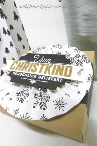 Stampin' Up! Berlin Geschenktüten Gutscheinverpackungen Rosetten falzen Weihnachtliche Etiketten 7 mitliebeundpapier.wordpress.com