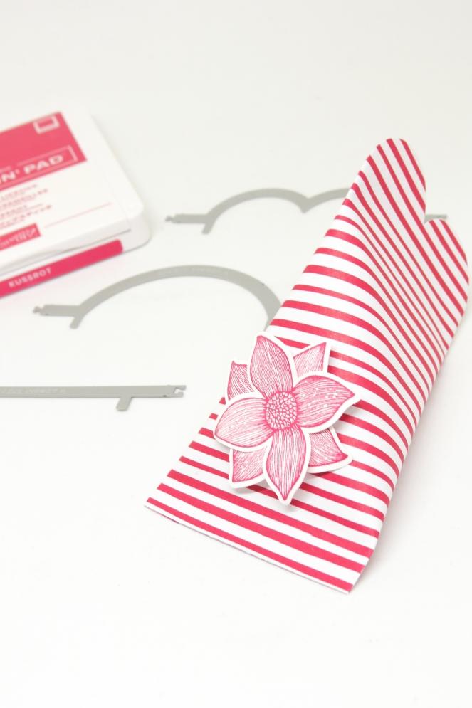 Stampin' U! Berlin Kreative Kleinigkeit Pop of Petals Sourcremebox Gastgeschenk Blumen 4 mitliebeundpapier.wordpress.com